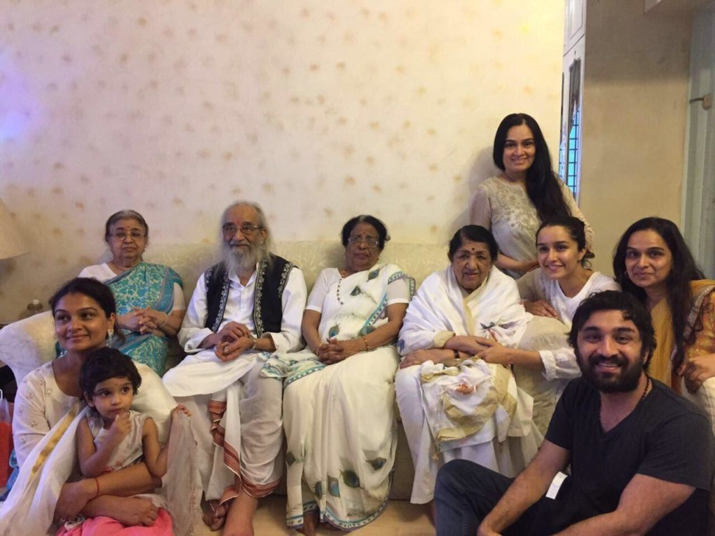 Shraddha Kapoor gifts father Shakti Kapoor her share in a property in Juhu (Source: Shraddha Kapoor's Twitter)